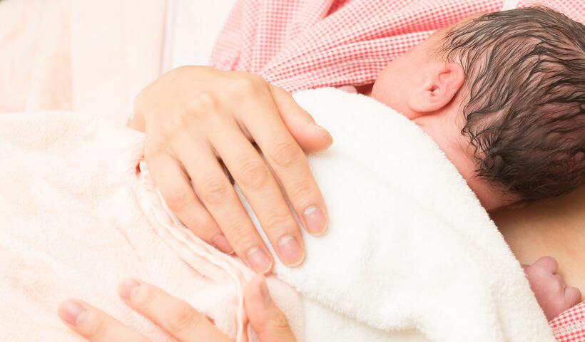 バースカンガルーケア(早期母子接触)